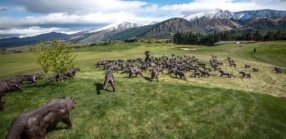 Liu Ruowang's sculpture 'Wolves'